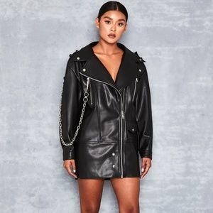 BLACK VEGAN LEATHER OVERSIZED JACKET WTH CHAIN